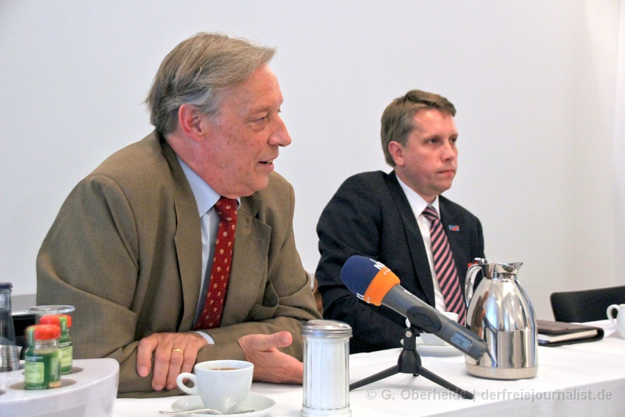Paul Hampel (AfD), Holger Pieters (AfD)